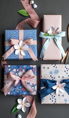 plastic ribbons gifts packing